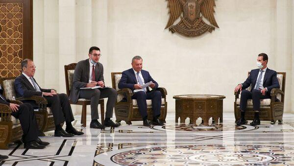 Rusya Dışişleri Bakanı Sergey Lavrov, Suriye Devlet Başkanı Beşar Esad - Sputnik Türkiye