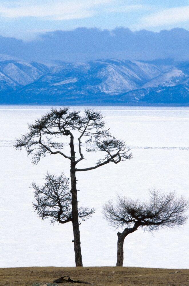 Büyüleyici Baykal Gölü manzarası, 1988