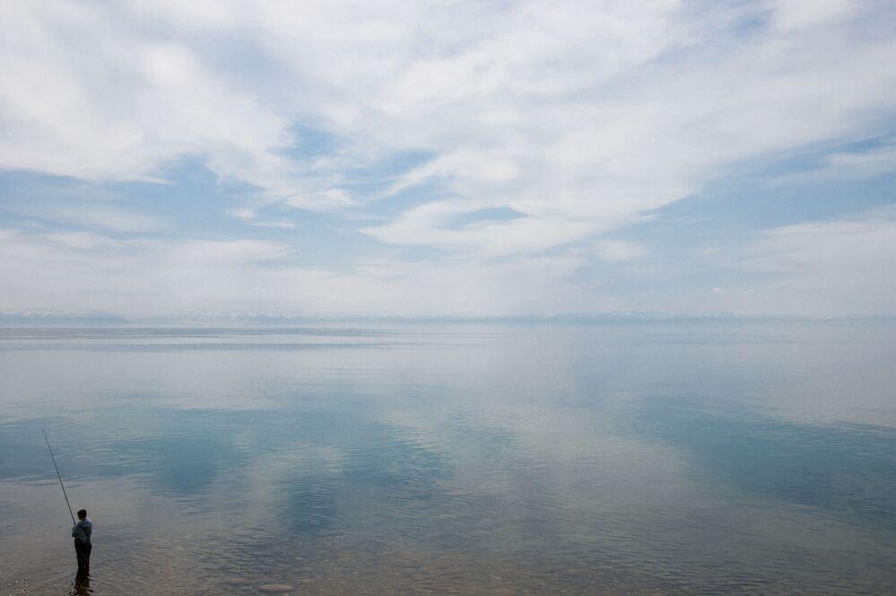 Baykal Gölü yüzlerce nehri besleyen uçsuz bucaksız sınırlarıyla Sibirya'nın incisi olarak biliniyor