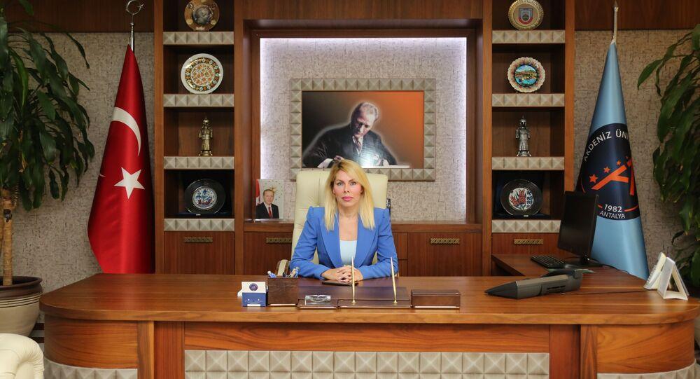Akdeniz Üniversitesi Rektörü Prof. Dr. Özlenen Özkan
