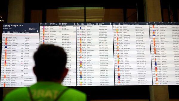Almanya seyahat uyarısı, havalimanı, uçuş, Berlin Havalimanı - Sputnik Türkiye