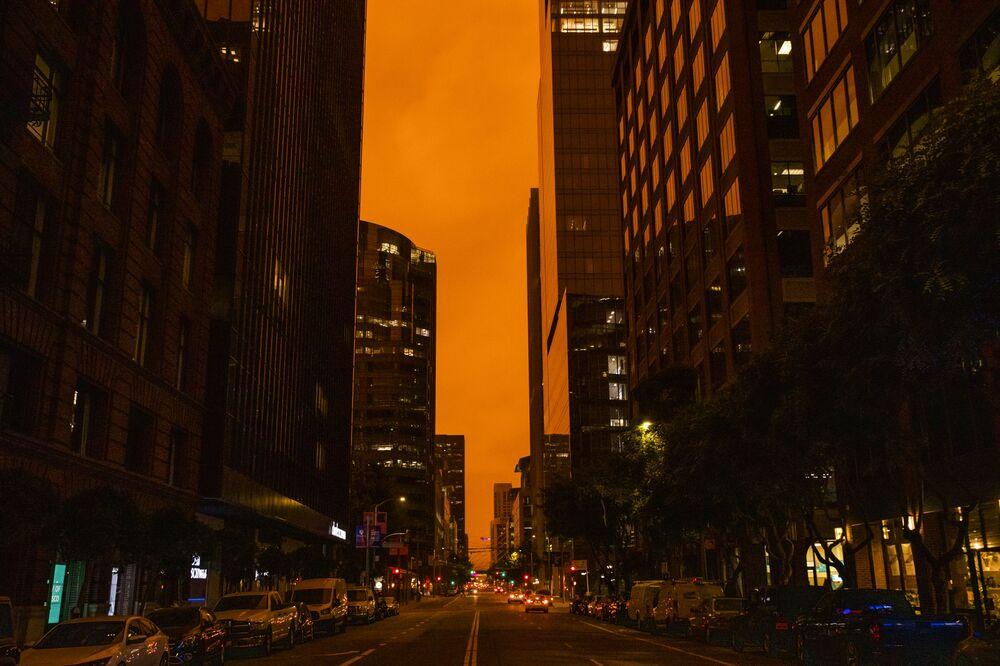 2020 yılında 7 bin 606 yangının çıktığı, bu yangınların 2.3 milyon dönüm araziyi etkileyerek geçen yıla göre daha aktif olduğu açıklandı.
