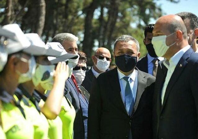 Bursa'da emniyet müdüründen 4 polise maske cezası