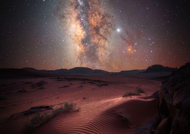 2020'nin En İyi Astronomi Fotoğrafçısı Yarışması'nın Manzara kategorisinde ikincilik kazanan Alman fotoğrafçı Stefan Leibermann'ın Desert Magic çalışması