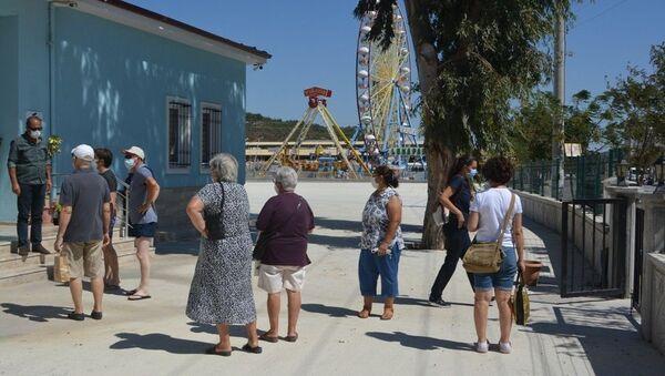 Balıkesir'in Ayvalık ilçesinde 3 hemşireyi darp edip bir hastayı bıçaklayan ve adli kontrolle serbest bırakılan şahıs, savcılığın karara itirazının ardından yeniden yargılanarak tutuklandı. - Sputnik Türkiye