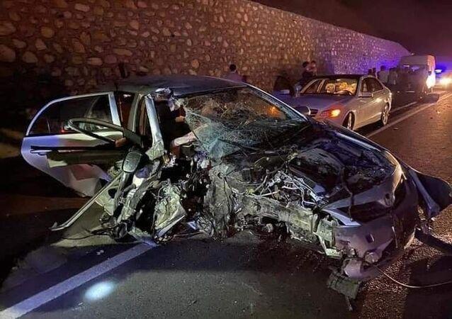 Elazığ'ın Kovancılar ilçesi Belediye Başkanı Hacı Akpınar'ın otomobilinin iş makinesine çarpması sonucu meydana gelen kazada 7 kişi yaralandı.