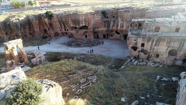 Dara Antik Kenti'nde kazı çalışmaları 12 aya çıkarıldı: Bölgede her aileden bir kişi kazıda çalışabilecek - Sputnik Türkiye