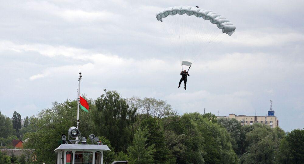 Slav Kardeşliği-2017, Belarus, paraşüt