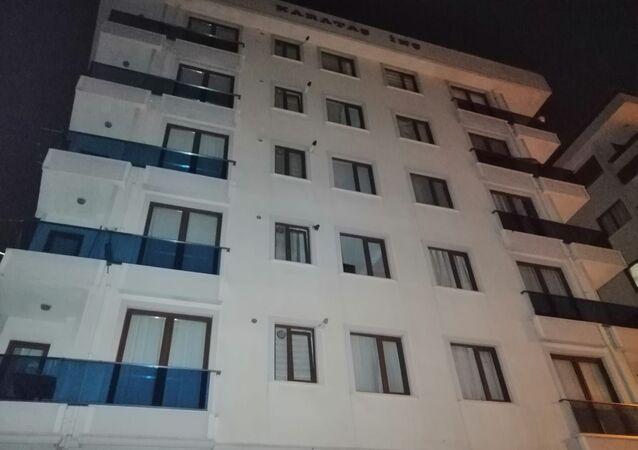 Sancaktepe'de 5 katlı bina boşaltıldı