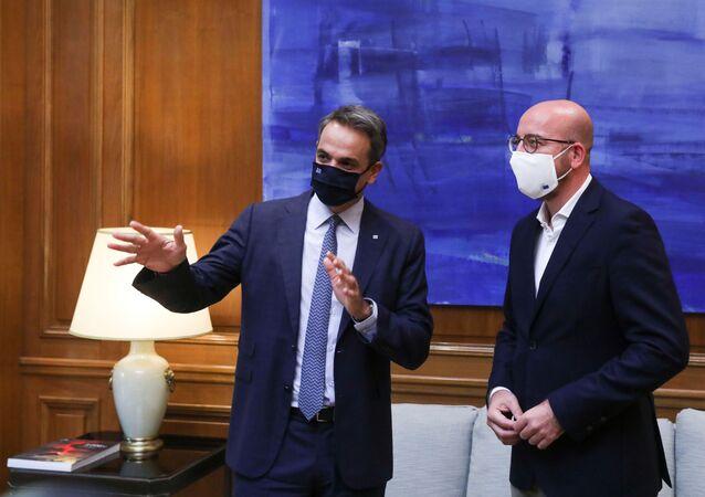 Atina'yı ziyaret eden AB Konseyi Başkanı Michel ile görüşen Yunanistan Başbakanı Miçotakis
