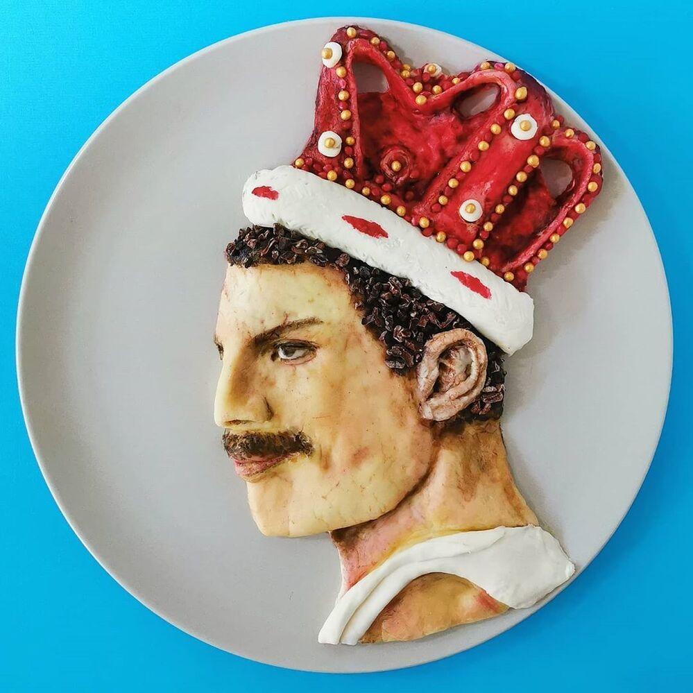 Jolanda'nın  yemekten yaptığı Freddie Mercury portresi