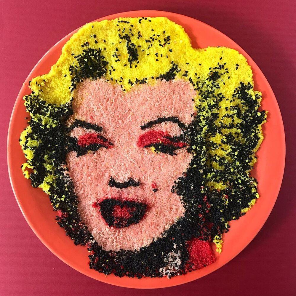 Jolanda'nın yemekten yaptığı Marilyn Monroe portresi