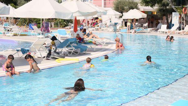 Antalya'ya ağustos ayında 225 bin Rus turist geldi - Sputnik Türkiye