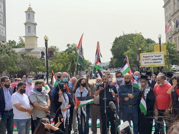 Filistin asıllı Amerikalılar ve Siyonizm karşıtı Ortodoks Yahudiler, Beyaz Saray önünde İsrail, BAE ve Bahreyn arasında varılan ilişkilerin normalleştirilmesine yönelik anlaşmaları protesto etti - Sputnik Türkiye