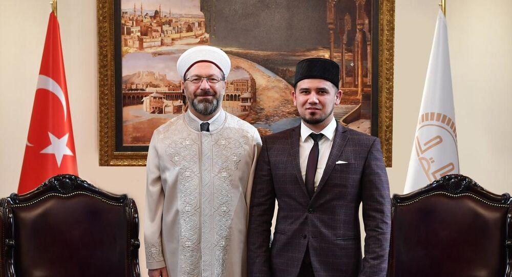 Diyanet İşleri Başkanı Ali Erbaş ile Rusya Federasyonu'na bağlı Başkurdistan Müftüsü Aynur Birgalin.