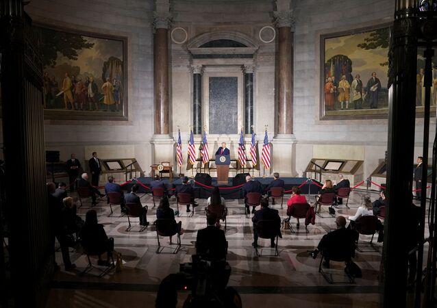ABD Başkanı Donald Trump, başkent Washington DC'de düzenlenen Beyaz Saray Amerikan Tarihi Konferansında bir konuşma yaptı.