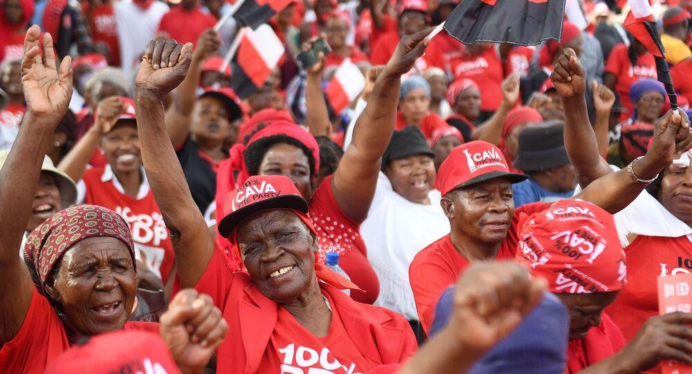 Botsvana Devlet Başkanı Mokgweetsi Masisi destekçileri