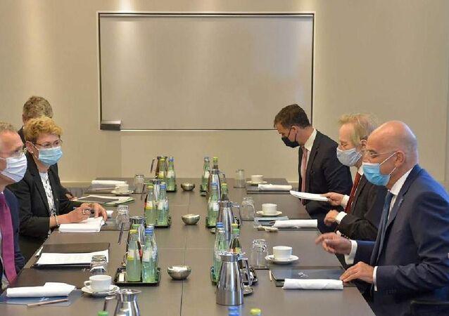 Yunanistan Dışişleri Bakanı Nikos Dendias ve NATO Genel Sekreteri Jens Stoltenberg