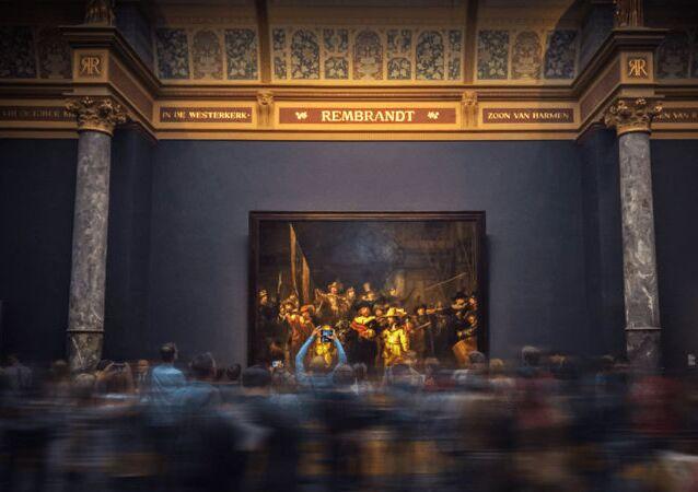 Hollanda'da, 7 yıl önce beyin tümörü saptanan torununu iyileşmesi için adak olarak Amsterdam'daki Rijksmuseum'a değerli bir tablo bağışlayan kadın, torunun hastalığı yenmesinin ardından, müzeden resmi geri istiyor.