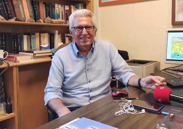 Prof. Dr. Süleyman Pampal