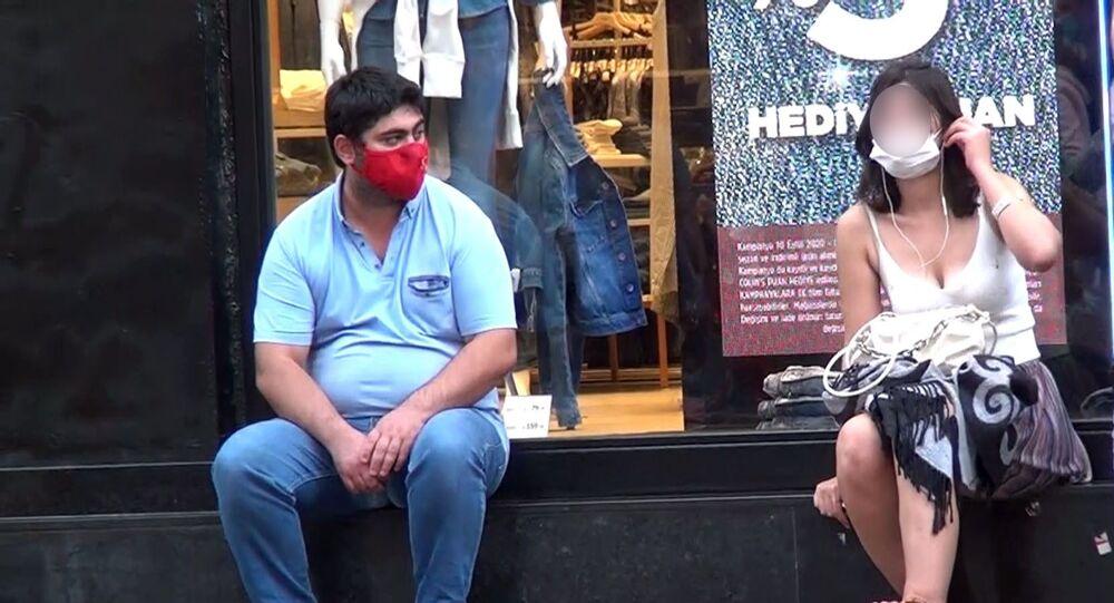 Taksim'de bir kadını takip eden şüpheli