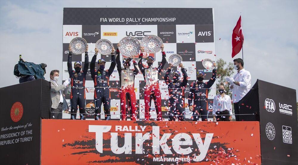 İkinciliği 2.43.37.9'luk derecesiyle Belçikalı Thierry Neuville, üçüncülüğü ise 2.44.02.1'lik süresiyle dokuz kez Dünya Şampiyonu olan Sebastien Loeb elde etti.