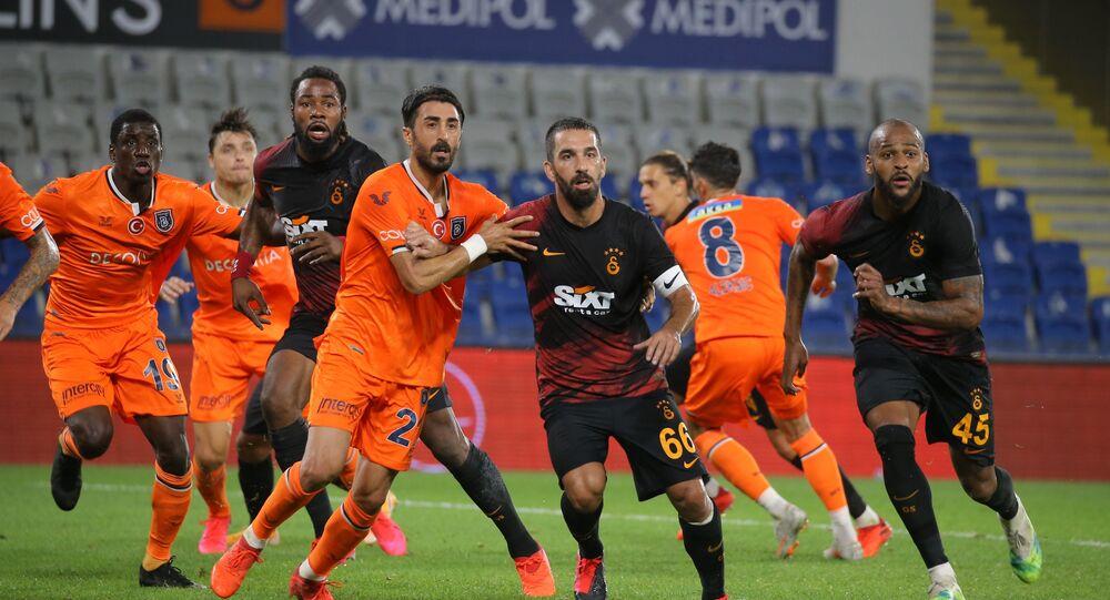 Galatasaray, Medipol Başakşehir galibiyetiyle Süper Lig'de 6 deplasman sonra galibiyet aldı.