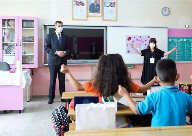 Milli Eğitim Bakanı Ziya Selçuk-yüz yüze eğitim