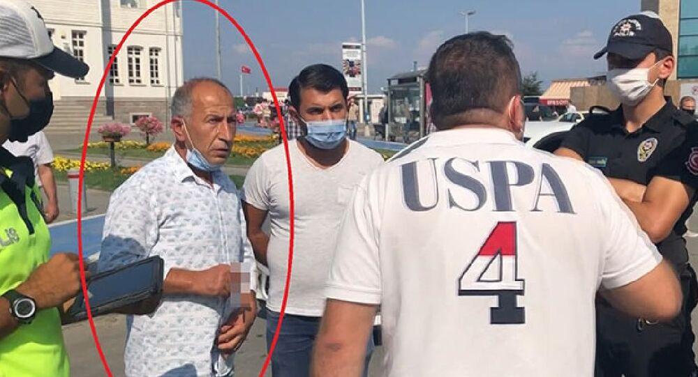 MHP'den 2011 yılında ihraç edileneski İstanbul Milletvekili İhsan Barutçu, polis ekiplerince kendisine ceza yazılacak olmasına sinirlendi.