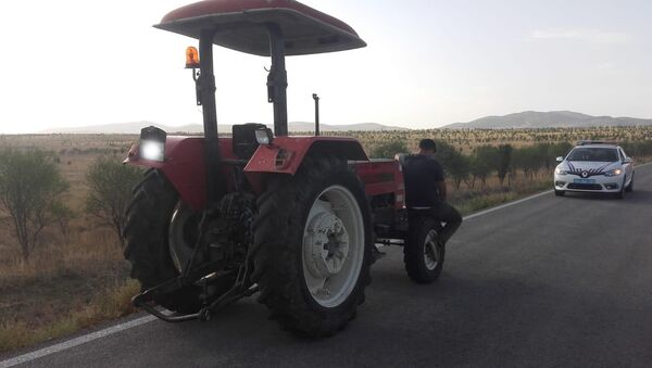 Afyonkarahisar, koronavirüs, traktör - Sputnik Türkiye