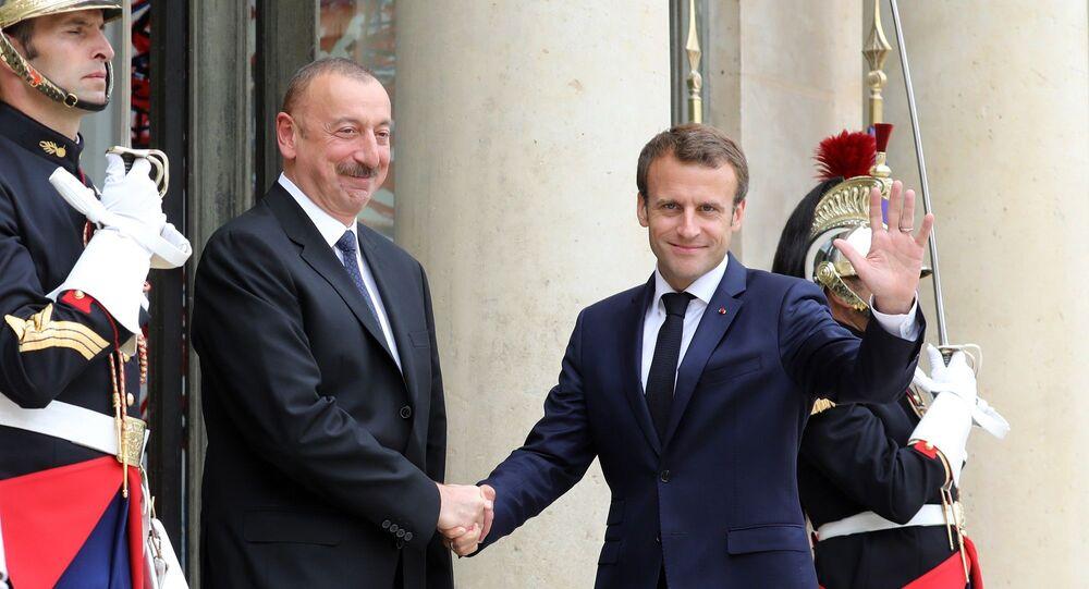Azerbaycan Cumhurbaşkanı İlham Aliyev ile Fransa Cumhurbaşkanı Emmanuel Macron