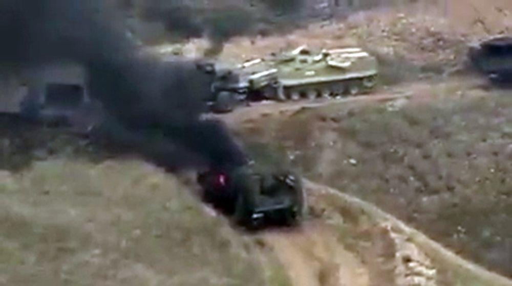 Ermenistan Savunma Bakanlığı, Azerbaycan'ın Dağlık Karabağ'da 4 helikopter, 15 İHA, 10 tank ve zırhlı araç kaybettiğini belirterek Azeri tanklarının imha edildiği anın görüntülerini de paylaştı