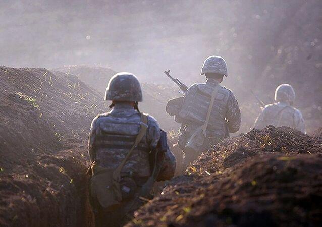 Azerbaycan-Ermenistan sınırı, Ermeni askerler