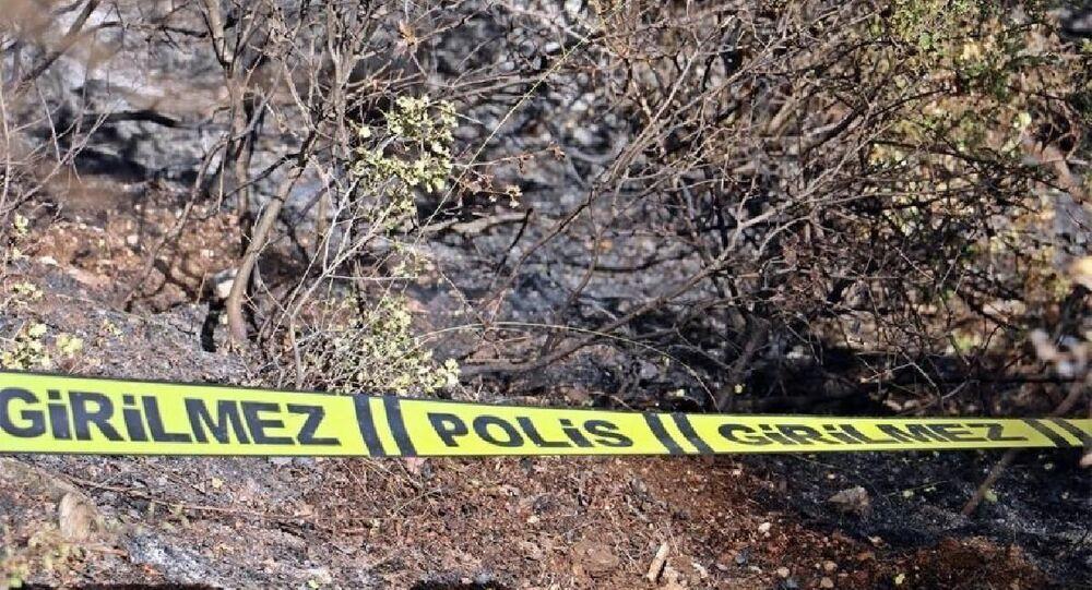 Antalya'nın Döşemealtı ilçesinde, ormanlık alanda vücudunun yarısı yanmış cesedi bulunan CHP Döşemealtı eski İlçe Başkanı Hasan Haluk Yalçın'ın ölümüyle ilgili emekli özel harekat polisi H.B. gözaltına alındı.