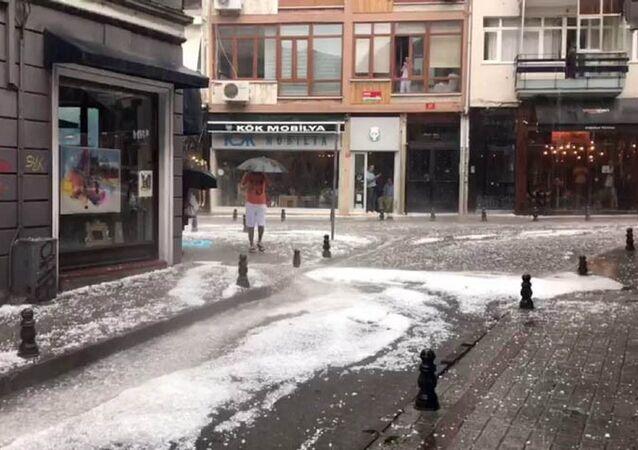 İstanbul - yağmur - dolu