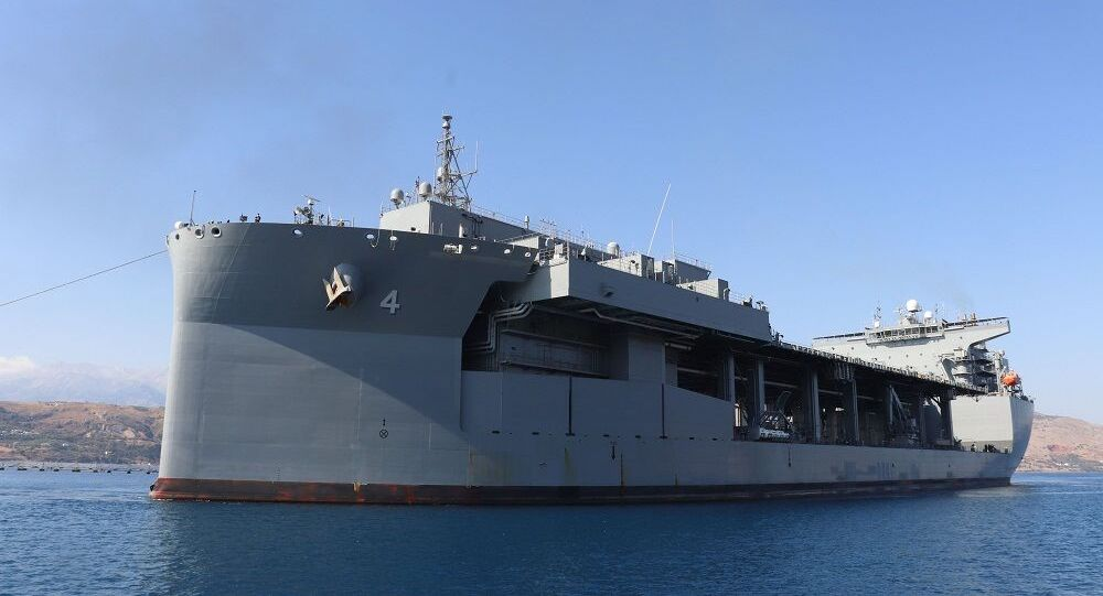 USS Hershel Woody Williams, ABD gemisi