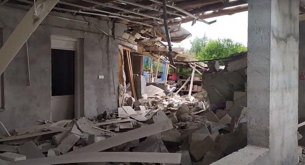 Ermenistan ordusunun saldırıları neticesinde Azerbaycan'daki bazı evler tamamen yıkıldı