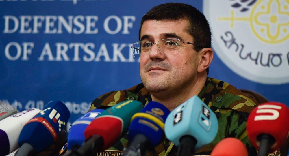 Resmi olarak tanınmayan Dağlık Karabağ Cumhuriyeti Cumhurbaşkanı Araik Arutyunyan