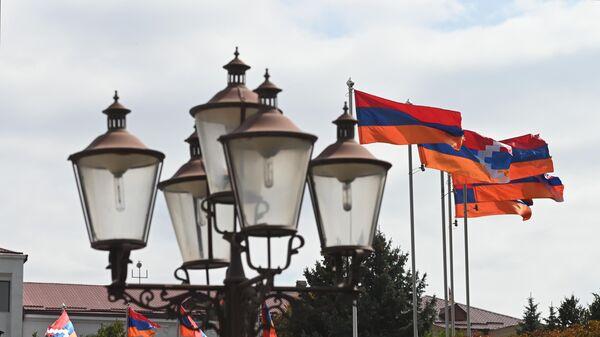 Ermenistan ve Dağlık Karabağ bayrakları - Sputnik Türkiye