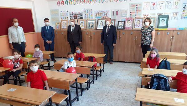 yüz yüze eğitim- 1. sınıf - sınıf - okul - Sputnik Türkiye