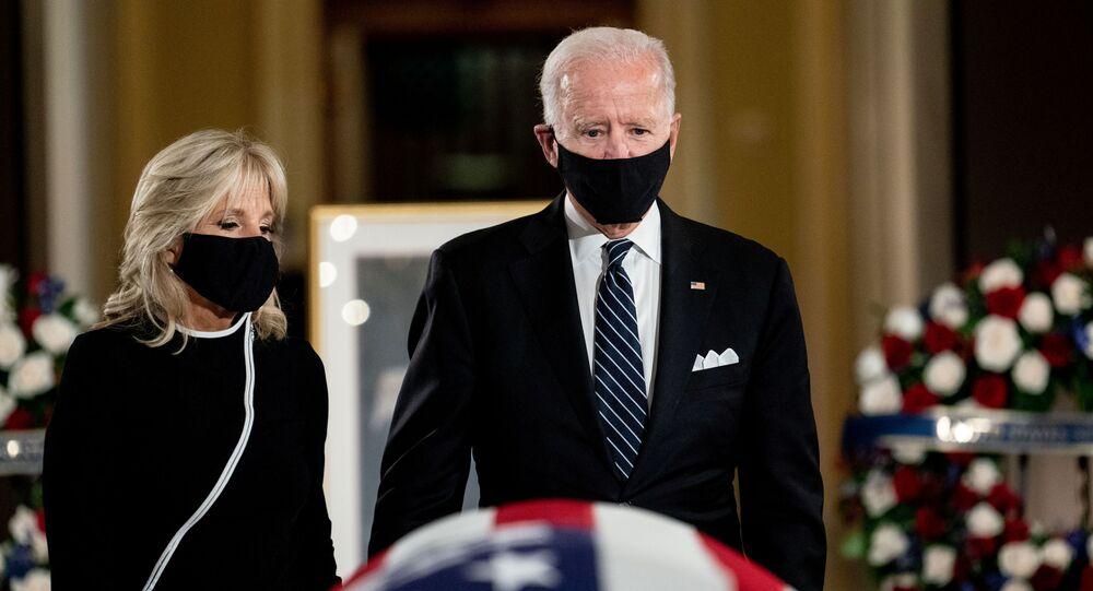 ABD'de Demokrat Başkan Adayı JoeBidenve eşi JillBiden