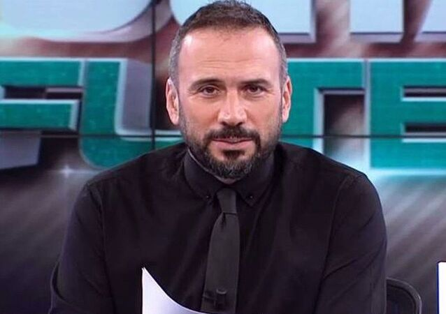 Beyaz TV Spor Müdürü ve Beyaz Futbol ile Derin Futbol programlarının sunucusuErtem Şener,Beyaz TV'den ayrıldığını duyurdu.