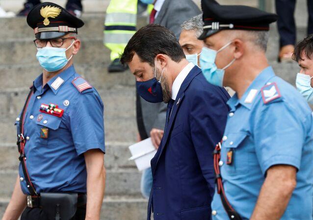 İtalya'daki aşırı sağcı Lig Partisinin lideri ve eski İçişleri Bakanı Matteo Salvini