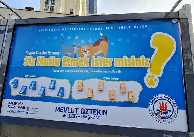 Kağıthane'de billboardlarda reklam yerine mama