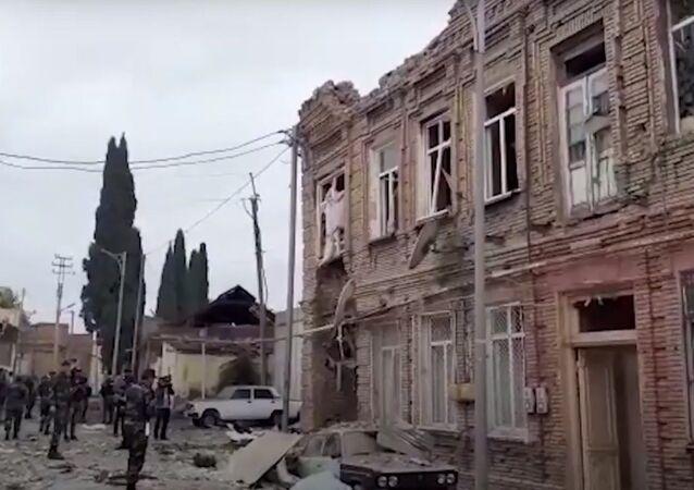 Ermenistan'ın hedef aldığı Gence'deki yıkım böyle görüntülendi