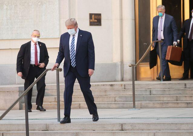 ABD Başkanı Donald Trump, Kovid-19 tedavisi gördüğü Walter Reed Askeri Hastanesinden taburcu oldu