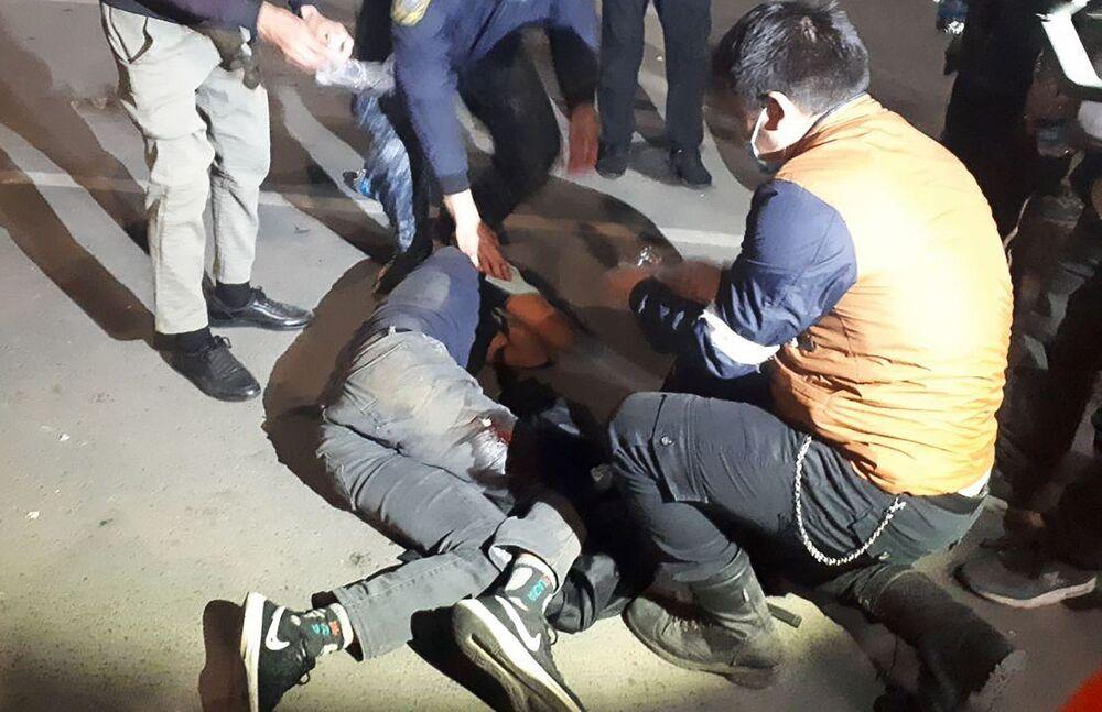 Kırgızistan Sağlık Bakanlığı'nın açıklamasına göre, ülkedeki protestolarda yaralananların sayısı 590'a çıktı, 1 kişi de hayatını kaybetti
