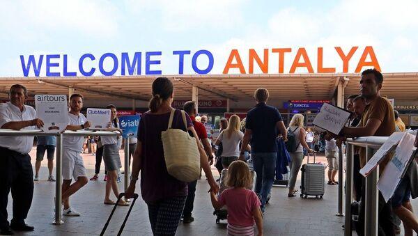 Antalya turist, Antalya havalimanı - Sputnik Türkiye
