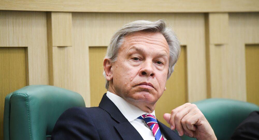 Rus Senatör Aleksey Puşkov