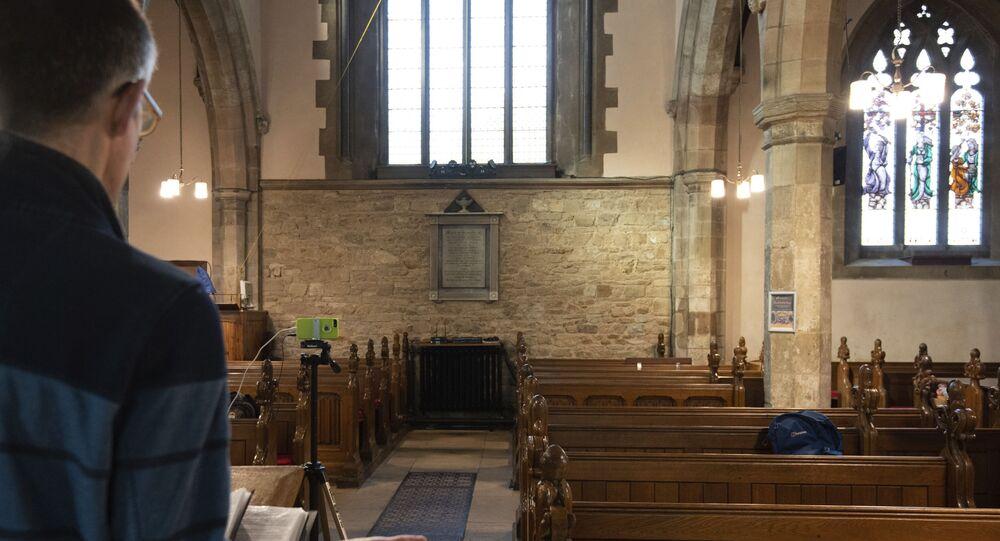 İngiltere- Kilise- Din adamı